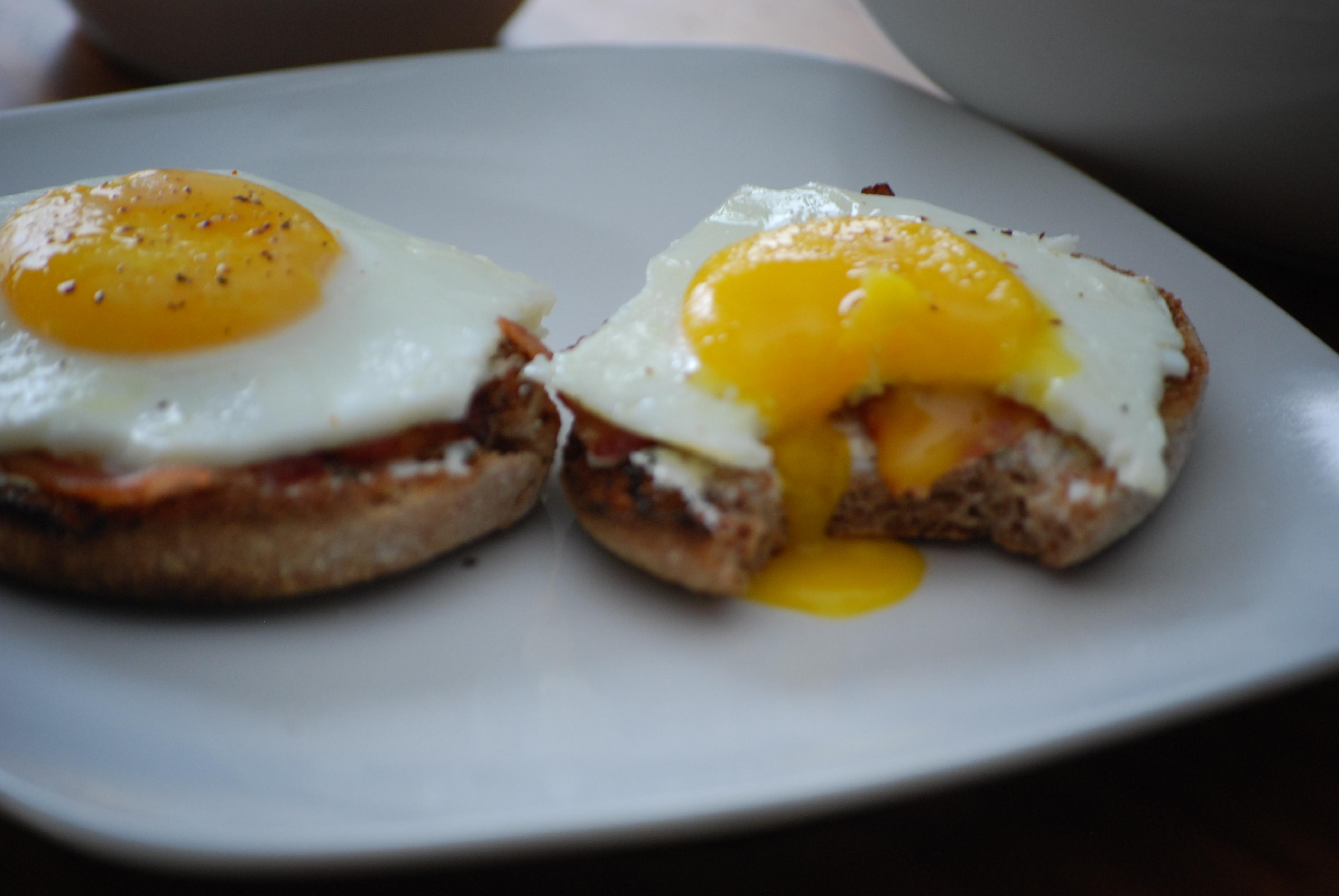 Easy Peasy Egg McMuffin | Almost À La Mode